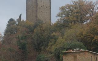 Walk towards the old tower . Things to do in Mercatale Valdarno