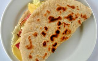 "Having lunch or dinner with a ""piadina"" together. Things to do in Ravenna"