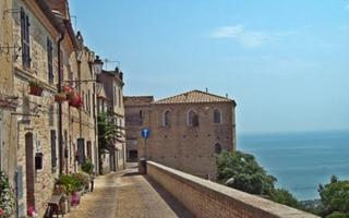 Discovering some the most beautiful villages Italy in Marche Region. Things to do in Porto San Giorgio