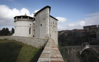 A walk in prison. Things to do in Ascoli Piceno