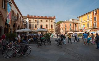 Romagna lifestyle: walk in town center and talk with locals. Things to do in Ravenna