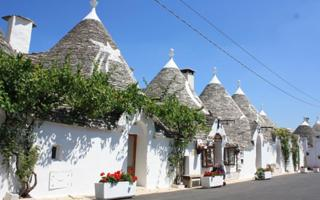 Must to see in Valle d'Itria: Alberobello and Locorotondo. Things to do in Locorotondo