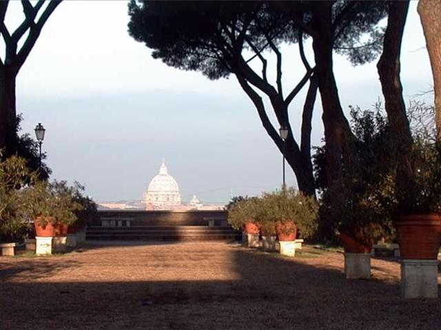 Discover the hidden corners of Rome . Things to do in Roma