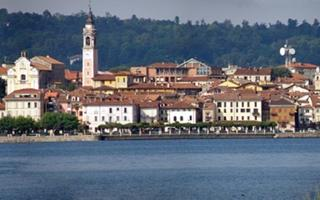 Enjoyable walk at lake maggiore. Things to do in Arona