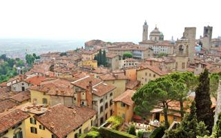 Enjoyable walk at Bergamo Alta. Things to do in Bergamo