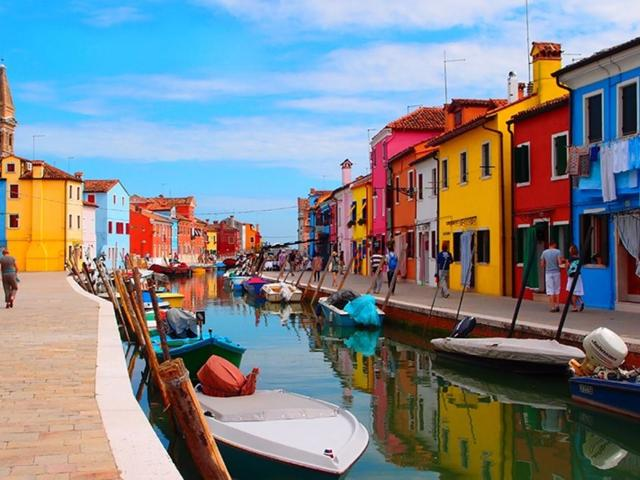 Appetizers and '' cicchetti'' between the islands of the northern lagoon of Venice. Things to do in Venezia