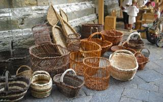 Old crafts in Volterra. Things to do in Volterra
