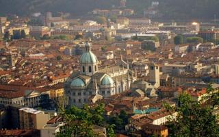 Back to the past in a vintage Como. Things to do in Como