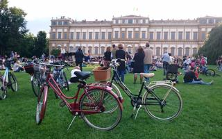 Bike riding in Monza and in its beautiful Park!. Things to do in Monza
