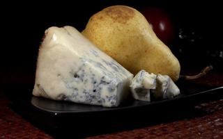 The gorgonzola cheese: from food for the needy to deliciuos ingredient. Things to do in Gorgonzola