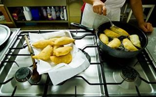You can't leave Bari if you don't try a Panzerotto!. Things to do in Bari