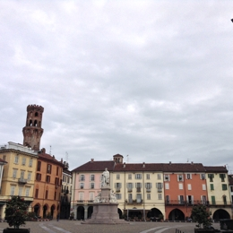 Walking around Vercelli. Things to do in Vercelli