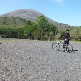 La scalata del Vesuvio in mountain bike. Cosa fare a Terzigno