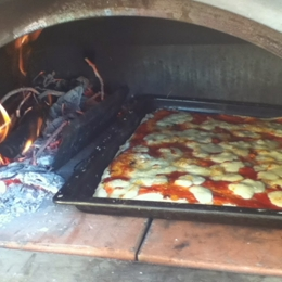 Pizza & bike in San Quirico d'Orcia. Things to do in San Quirico D'orcia