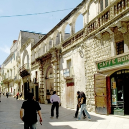 A walk in the City of Bread . Things to do in Altamura