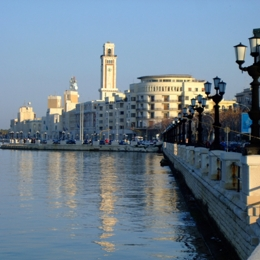 Discovering - the old city. Things to do in Bari