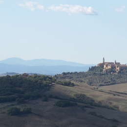 Bike to the traditional villages. Things to do in San Quirico D'orcia