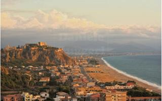 Sicilian sandwich  between Hell & Heaven. Things to do in Milazzo